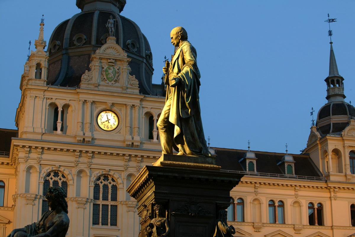 Rathaus-(c)-Graz-Tourismus-