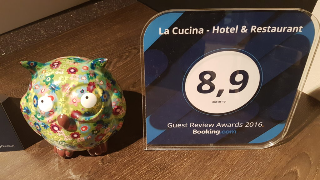 booking com guest review award 2016